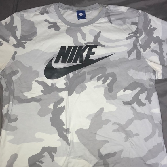 sneakers for cheap the best attitude price reduced Nike Cammo T-Shirt